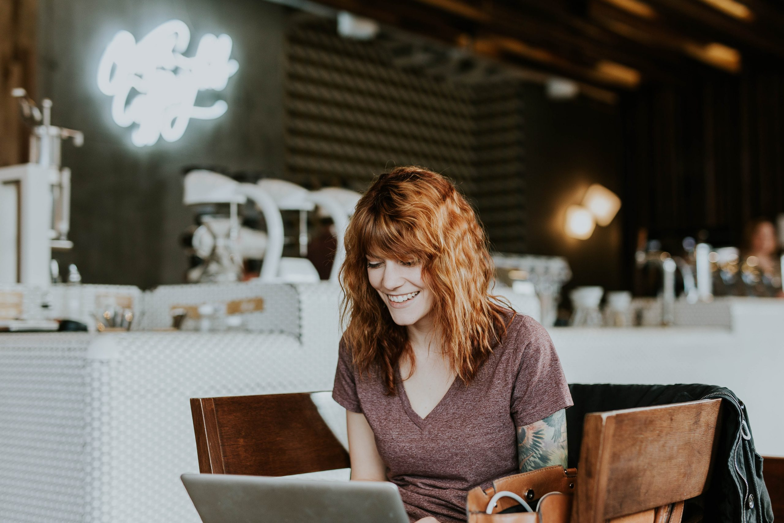 woman surfing web